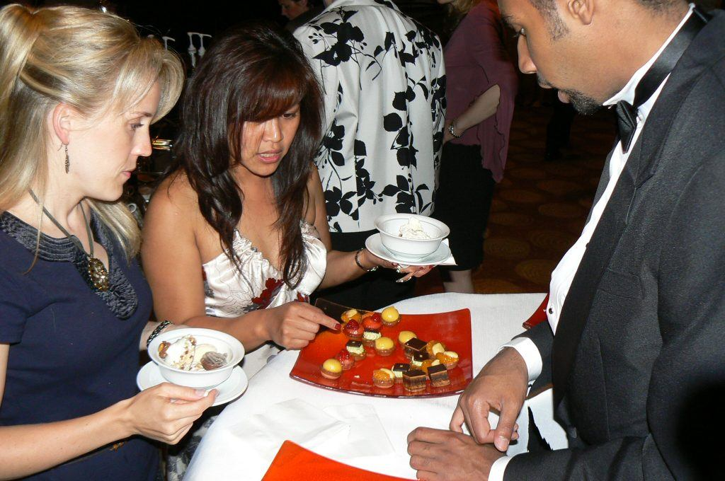 table-dessertwithguestsP1040121