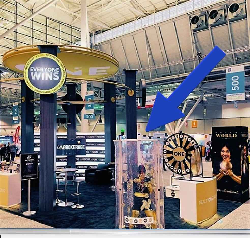 trade show booth-prize vault with arrow
